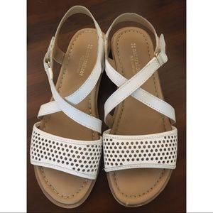 Naturalizer White Womens Sandals Size 8